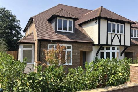 Bowers Way, Harpenden, Hertfordshire, AL5. 4 bedroom semi-detached house
