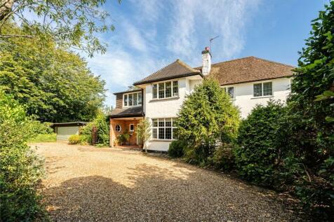 Roundwood Park, Harpenden, Hertfordshire, AL5. 5 bedroom detached house