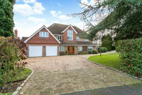 The Uplands, Harpenden, Hertfordshire, AL5. 6 bedroom detached house for sale