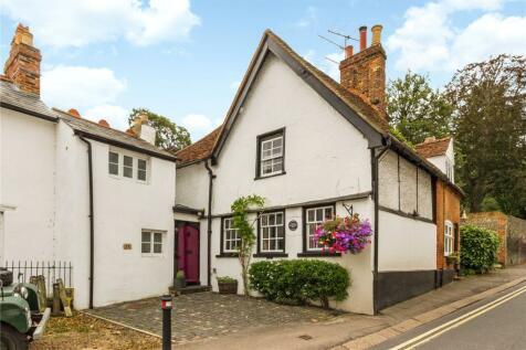 Gravel Hill, Henley-on-Thames, Oxfordshire, RG9. 3 bedroom terraced house for sale