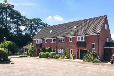 Park Lane, Salisbury, Wiltshire, SP1. 3 bedroom mews house for sale