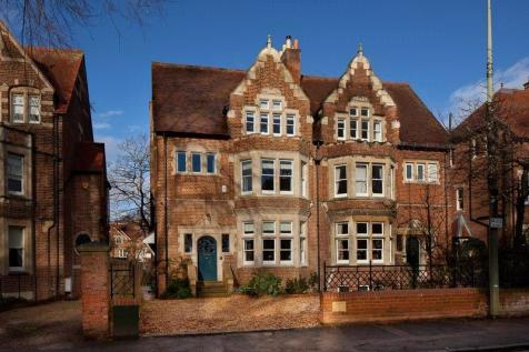 St. Margarets Road, Oxford, OX2. 6 bedroom semi-detached house