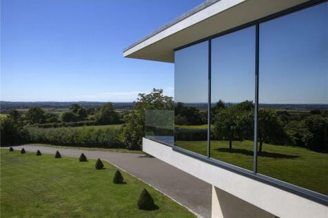 Chilton Road, Long Crendon, Aylesbury, Buckinghamshire, HP18. 5 bedroom detached house for sale