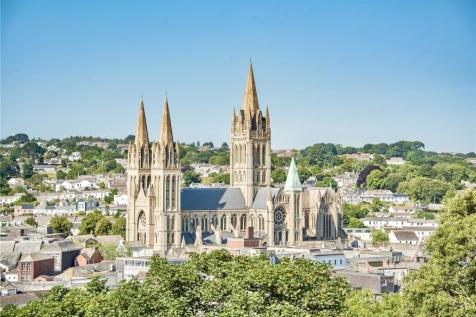 William Wood House, Corte Spry, Truro, Cornwall, TR1. 3 bedroom penthouse