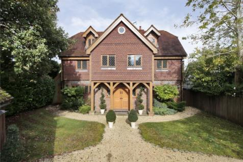 Warren Road, Crowborough, East Sussex, TN6. 6 bedroom detached house for sale