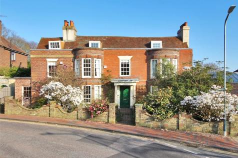 Claremont Road, Tunbridge Wells, Kent, TN1. 5 bedroom house