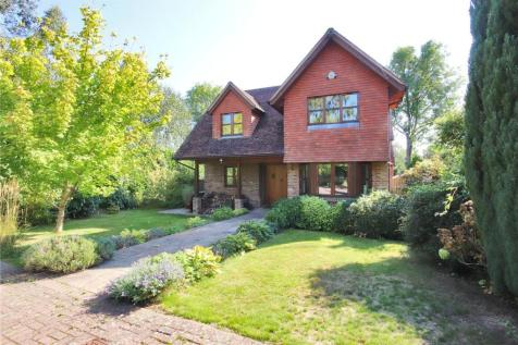 Penshurst Road, Speldhurst, Tunbridge Wells, Kent, TN3. 4 bedroom detached house