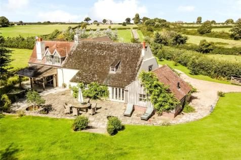 Kings Stag, Sturminster Newton, Dorset, DT10. 5 bedroom equestrian facility