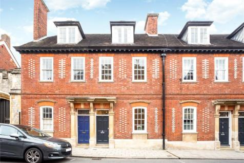 Park Street, Windsor, Berkshire, SL4. 3 bedroom terraced house for sale