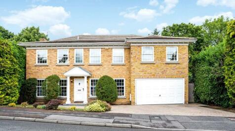 Illingworth, Windsor, Berkshire, SL4. 5 bedroom detached house