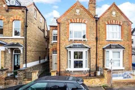 Grove Road, Windsor, Berkshire, SL4. 4 bedroom semi-detached house for sale