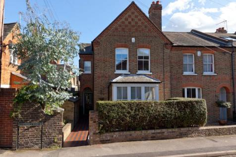 Alexandra Road, Windsor, Berkshire, SL4. 4 bedroom end of terrace house for sale