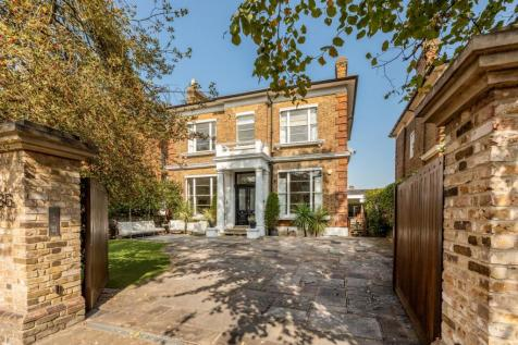 Osborne Road, Windsor, Berkshire, SL4. 4 bedroom semi-detached house for sale