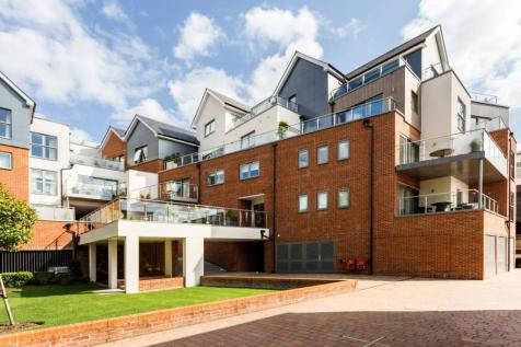 Bridgewater Lodge, Bridgewater Terrace, Windsor, Berkshire, SL4. 3 bedroom apartment for sale
