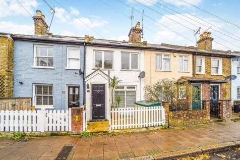 Marsh Farm Road, Twickenham. 3 bedroom terraced house