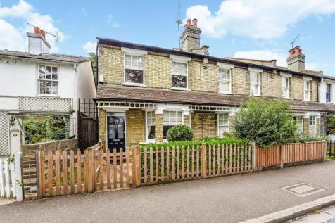 First cross road, Twickenham. 3 bedroom terraced house