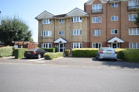 Varsity Drive, Twickenham. 2 bedroom apartment