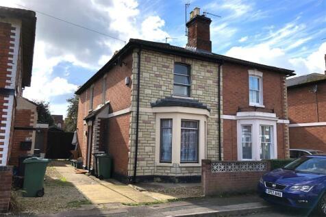 Howard Street, Gloucester. 3 bedroom semi-detached house for sale