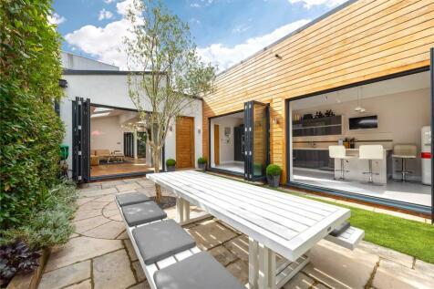 Ennismore Avenue, Chiswick, London, W4. 5 bedroom detached house