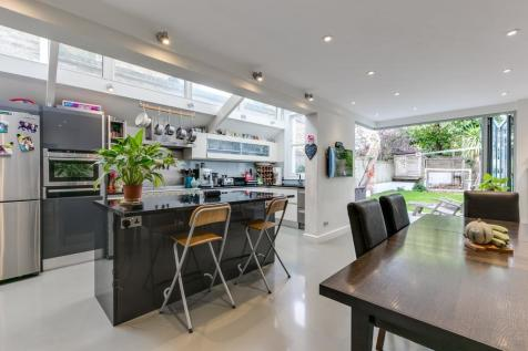Sarsfeld Road, London, SW12. 5 bedroom semi-detached house for sale