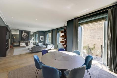 Pembridge Crescent, London, W11. 4 bedroom duplex