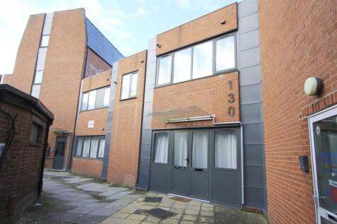 High Street, Ruislip, HA4. Block of apartments