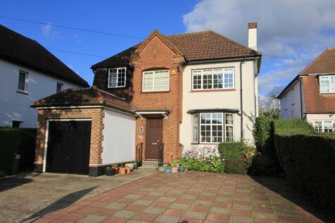 Bury Street, Ruislip, HA4. 4 bedroom detached house