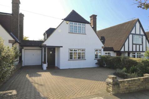 West Hatch Manor, Ruislip, HA4. 3 bedroom detached house