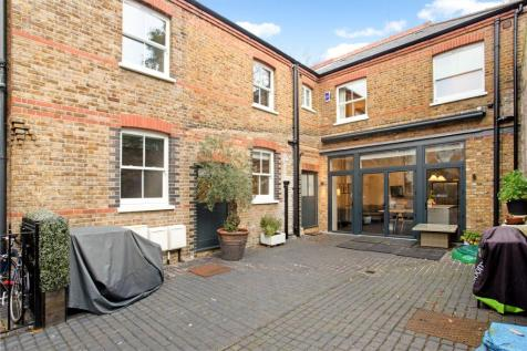 Rayners Road, Putney, London, SW15. 5 bedroom link detached house for sale
