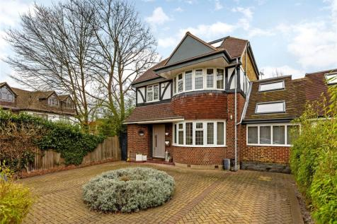 Lauderdale Drive, Richmond, Surrey, TW10. 5 bedroom link detached house
