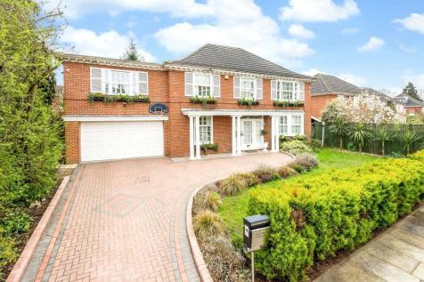 Dickens Close, Richmond, Surrey, TW10. 5 bedroom detached house