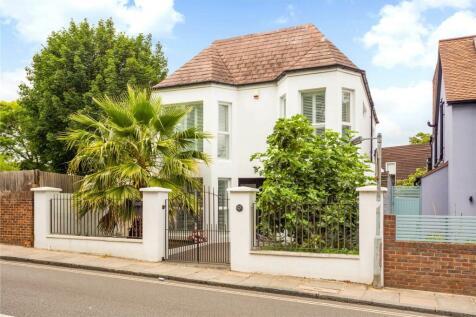 Waldegrave Road, Twickenham, TW1. 4 bedroom detached house