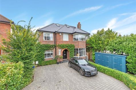 Chester Avenue, Richmond, Surrey, TW10. 6 bedroom detached house