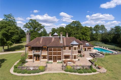 Rockford Common, Ringwood, Hampshire, BH24. 6 bedroom detached house