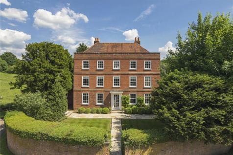 Village Lane, Hedgerley, Beaconsfield, Buckinghamshire, SL2. 5 bedroom detached house for sale