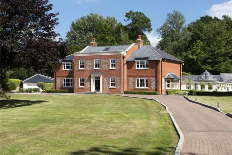 Manor Lane, Fawkham, Kent, DA3. 6 bedroom detached house for sale