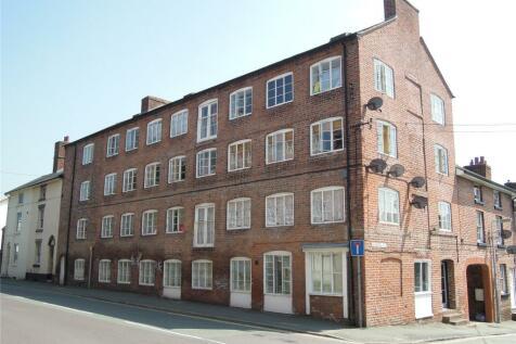 Chapel Street, Newtown, Powys, SY16. 2 bedroom flat