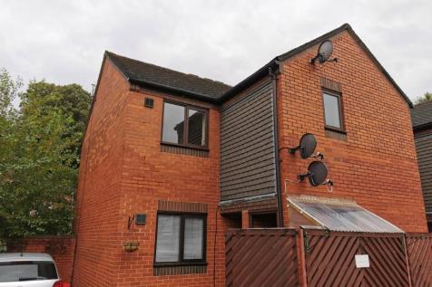 Puzzle Square, Welshpool, Powys, SY21. 1 bedroom flat