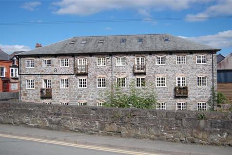 Town Mill, Llanidloes, Powys, SY18. 1 bedroom flat