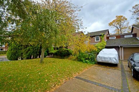 Lyndhurst Close, Croydon, CR0. 4 bedroom semi-detached house for sale