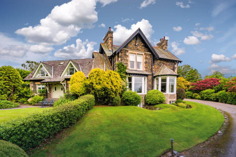Beaumont, Thornbarrow Road, Windermere, Cumbria, LA23 2DG. 5 bedroom detached house for sale