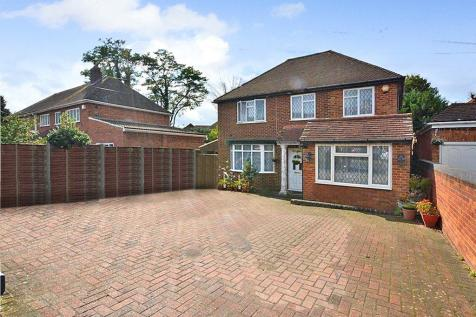 Thorney Lane South, Iver, Buckinghamshire. 4 bedroom detached house for sale