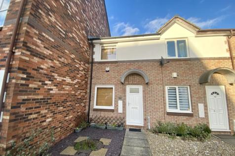 Marske Grove/Harrogate Hill - Darlington. 2 bedroom end of terrace house
