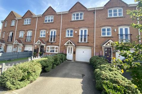 Lowther Drive/Eastbourne - Darlington. 4 bedroom town house