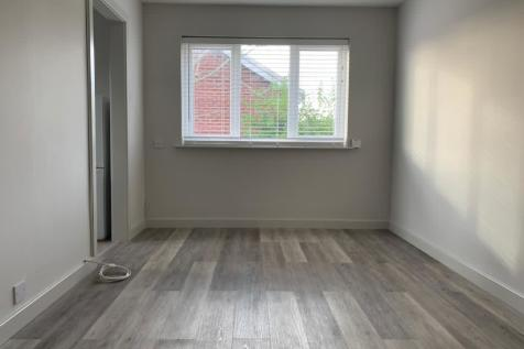 Westbury Way, Saltney, Chester. Studio flat