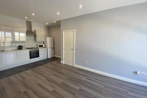 TOWN CENTRE. 2 bedroom apartment