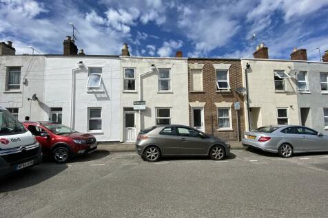 Student House, Hungerford Street, Cheltenham. 4 bedroom house