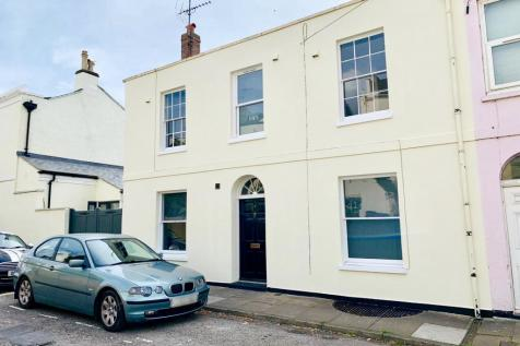 Northfield Terrace, Cheltenham. 6 bedroom house