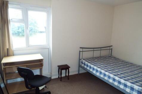 Hawe Close, Canterbury. 3 bedroom house