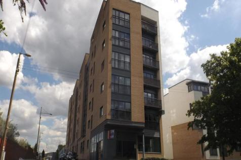 Bell Street, Collegelands, G4. 2 bedroom flat
